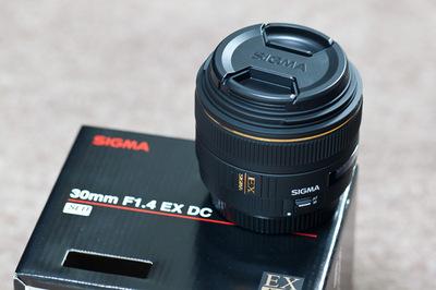 sigma30mm_800x600.jpg